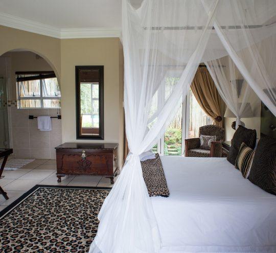 accommodation-harding-mahogany-suite