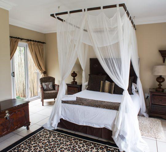 accommodation-harding-mahogany-suite_02